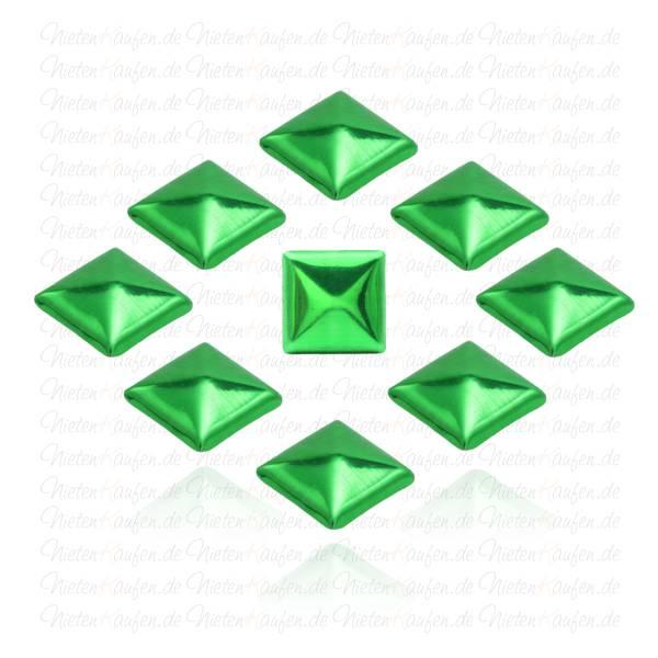 Metallic Grüne Pyramiedennieten -  Klebenieten - Bastelnieten - Nieten zum Aufkleben