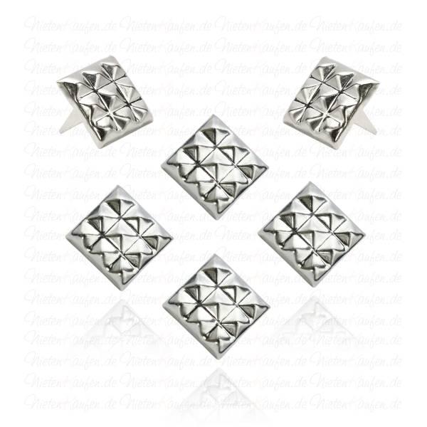 Quadrat Nieten in Silber mit 9 kleinen Pyramiden - 12 mm